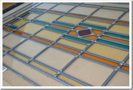 stained glass pannel in de door