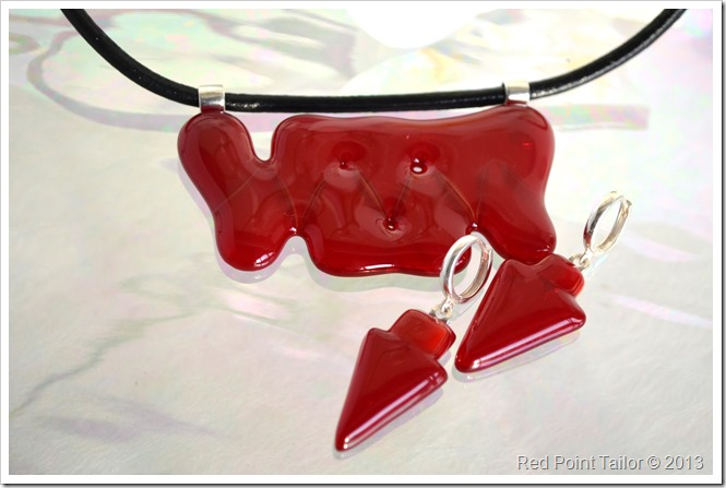 Fused Glass jewelry set necklace and earrings by Red Point Tailor