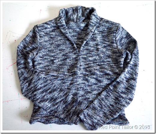 v-neck top pattern cover Jalie 2682 blue shades jersey