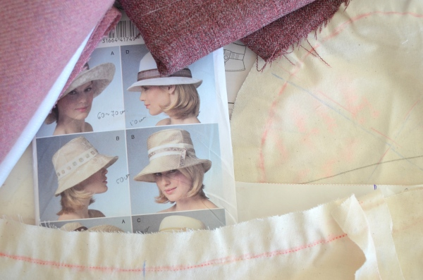 Hat Accessories - the Vogue pattern V8405 – view B